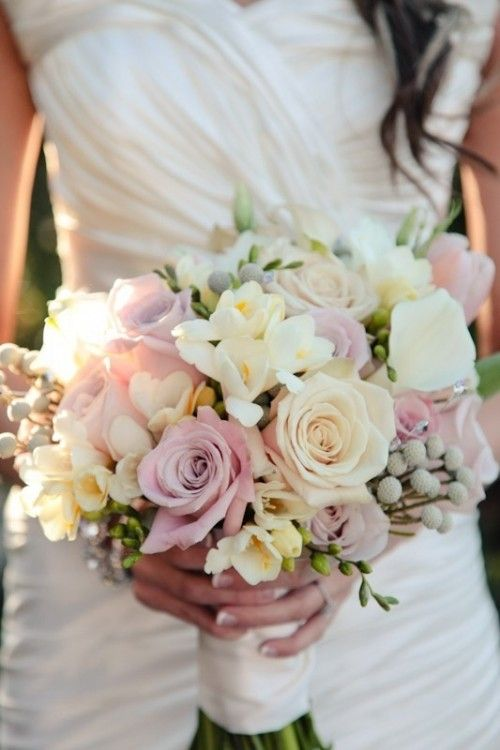 How To Choose The Right Wedding Bouquet Style | Wedding Flowers ...