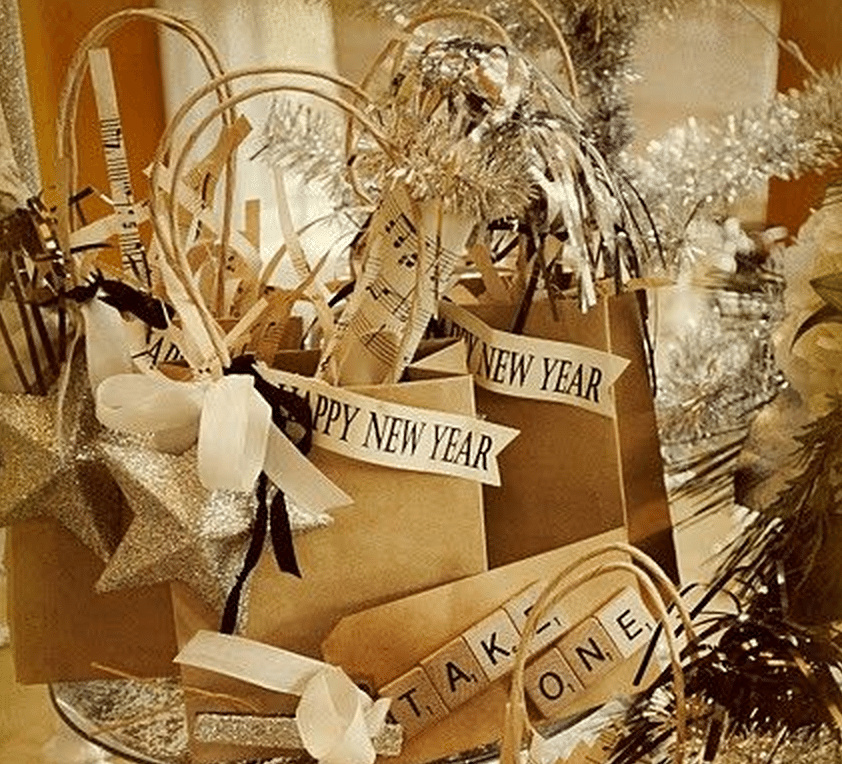 10 New Years Eve Wedding Favor Ideas Holiday Themes
