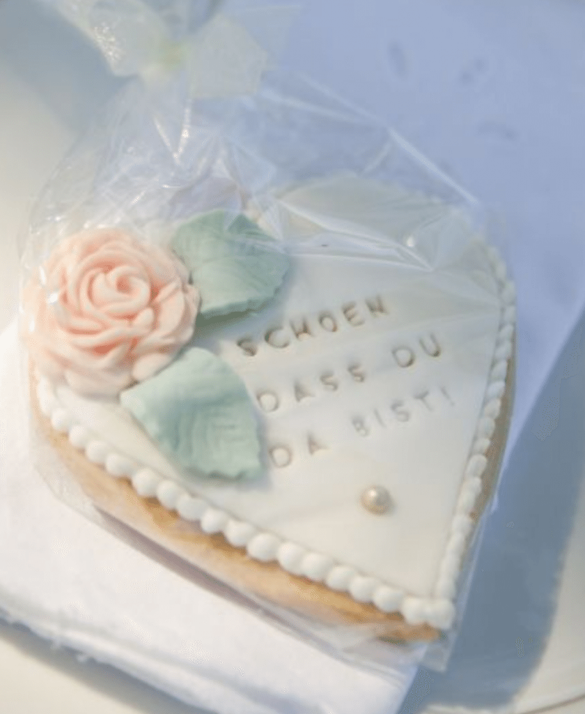 Gourmet Cookie Wedding Favors — A Unique Twist on an Old Tradition ...