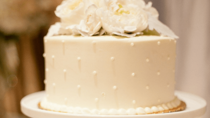 An Insider Report: How To Decode Wedding Cake Prices