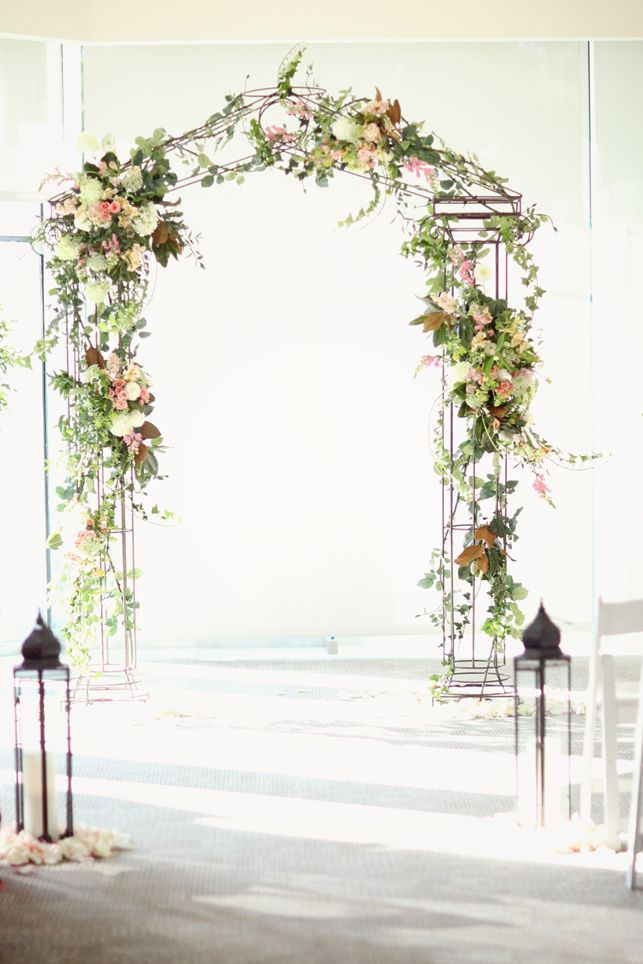 "Top Ideas for Adding ""Wow"" to That Wedding Arch 