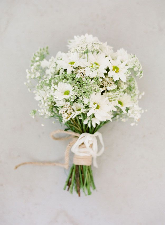 How to Make a Hand-Tied Wedding Bouquet | Wedding Flowers ...