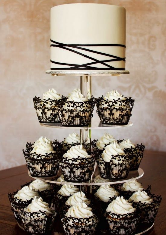 From 40s Fantasy To Designer Deco The New Black And White Wedding