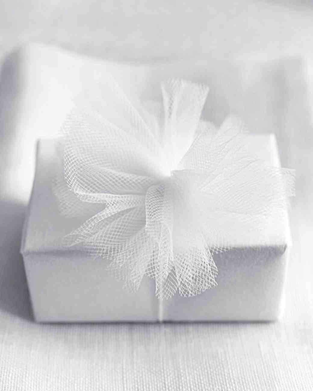 14 thoughtful wedding gift ideas under 250 - Wedding Gift Ideas