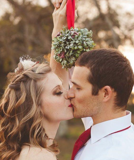 How to Throw an Incredible Christmas-Season Wedding