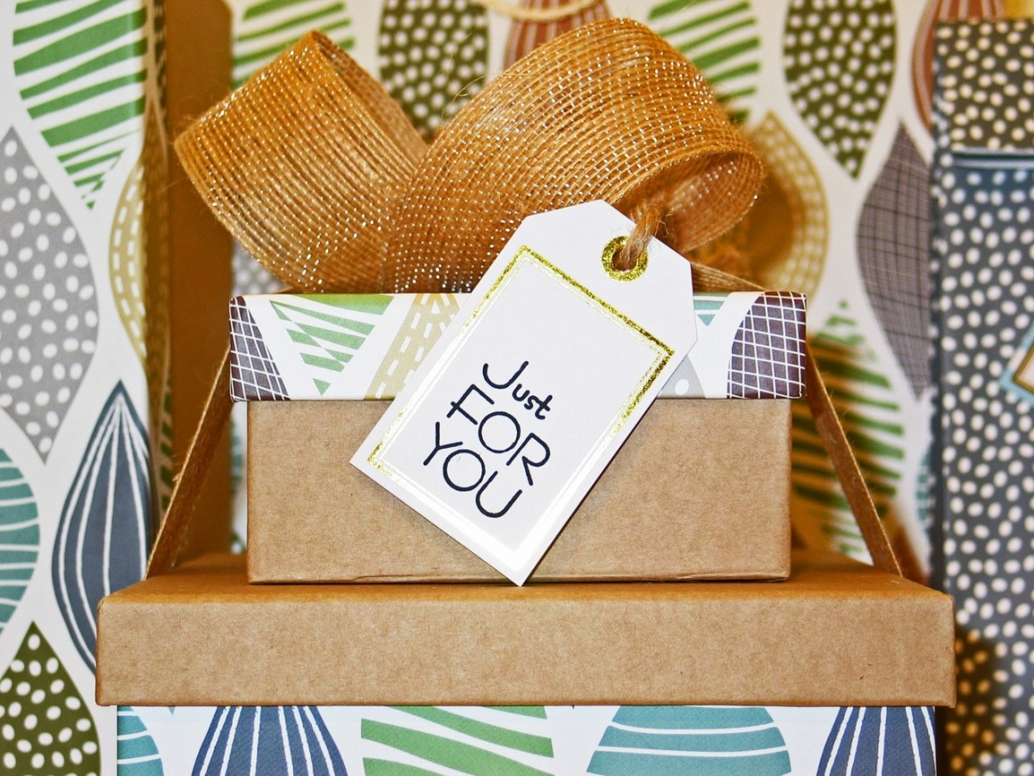 How To Pick The Right Wedding Gift For A Co Worker Or Acquaintance