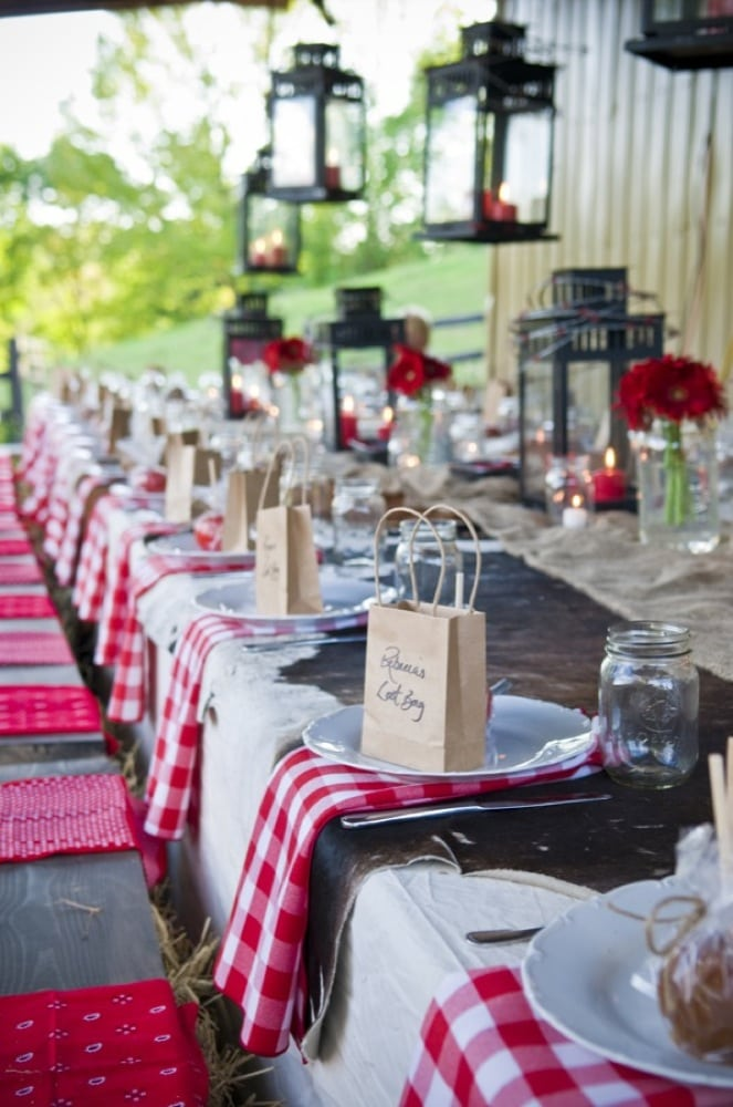 BBQ Style wedding with tablescapes