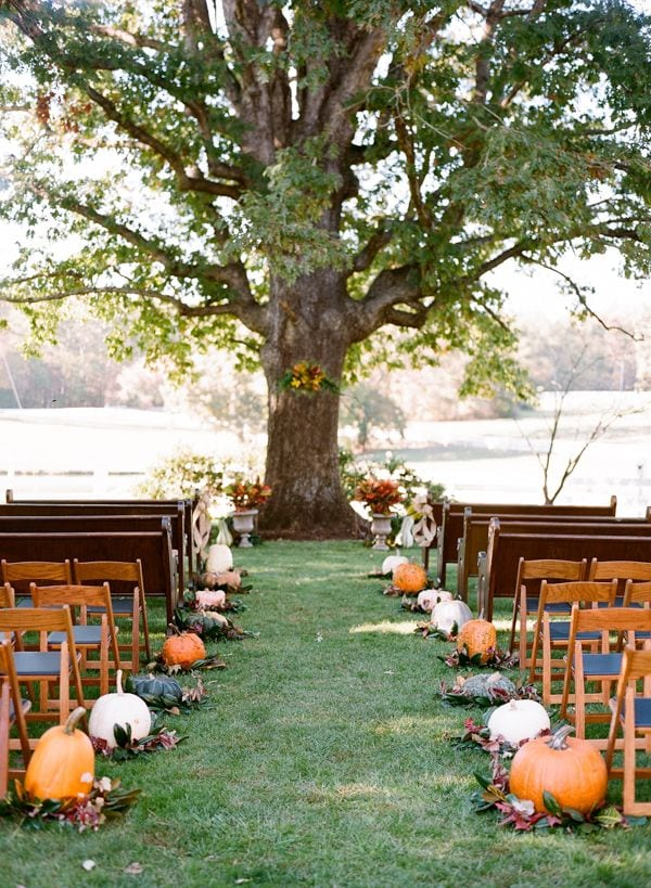 Autumn Style Weddings with pumpkins and cranberry colors