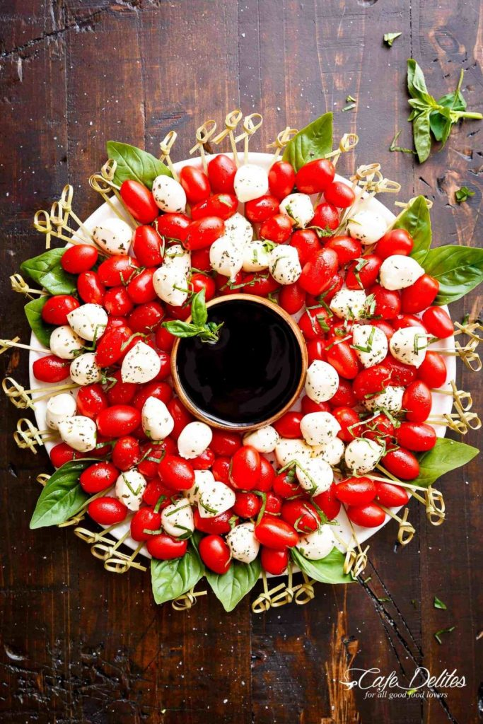 Caprese Christmas Wreath from Cafe Delites