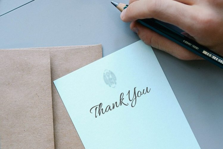 Guide to writing wedding thank you cards