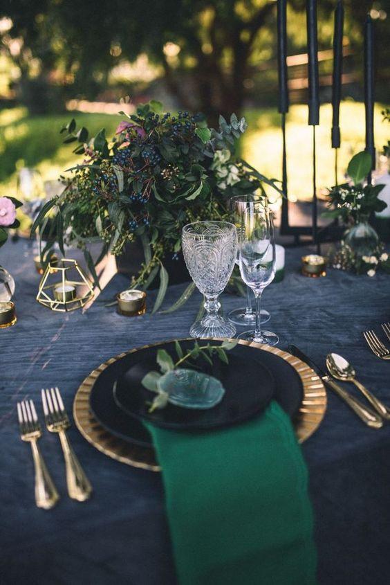 emerald green wedding reception table