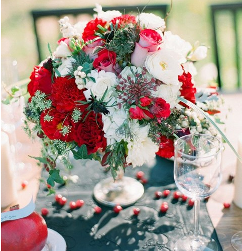 red and white wedding centerpiece