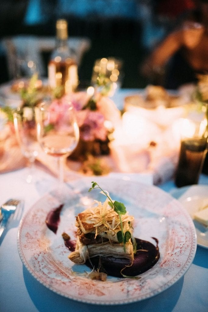 plated wedding meals trends 2021